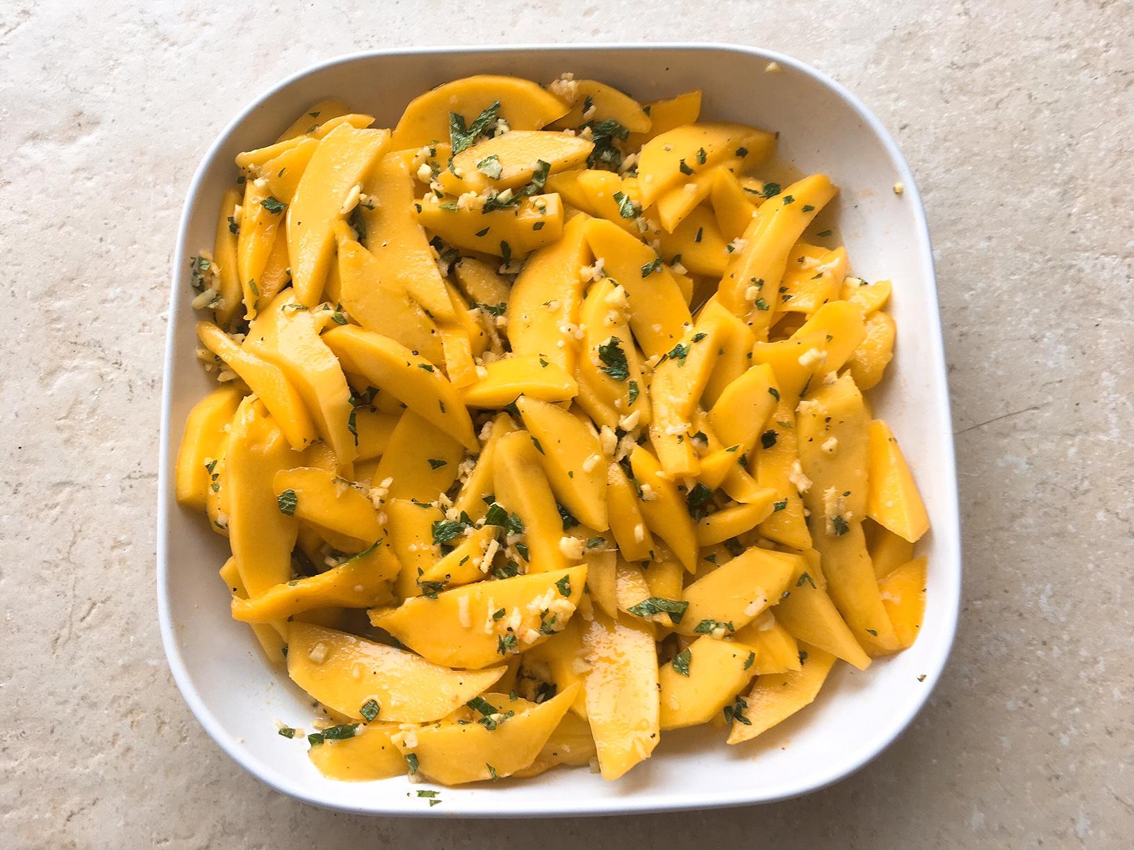 scharfer Mangosalat - Steinzeit Ernährung